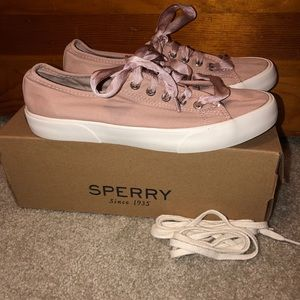 ♻️LAST CHANCE♻️SPERRY SNEAKERS SIZE 7
